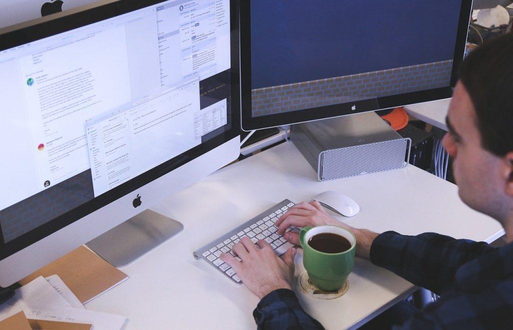 typing, computer, man-849806.jpg